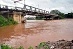 Lốc lớn đổ cột nhà, bé 8 tháng tuổi thiệt mạng