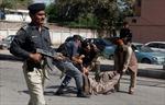 Bạo lực tại Pakistan, 15 người thương vong