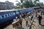 Hai tàu tốc hành Ấn Độ đâm nhau, ít nhất 12 người chết