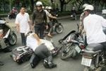 Bắt 3 tên cướp giật trên đường phố