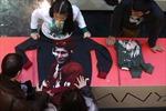 Áo phông hình Putin đang 'hot' ở cả Nga, Mỹ