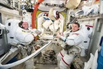 Hai nhà du hành Mỹ ra ngoài không gian sửa chữa ISS