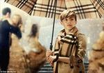 Con trai Beckham lịch lãm trong quảng cáo Burberry