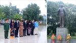 Đặt hoa tại Tượng đài Lênin kỷ niệm Cách mạng tháng Mười