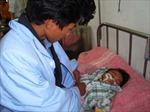 Bé sơ sinh bị uốn ván nặng vì bố cắt dây rốn bằng cật nứa