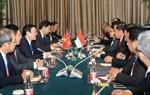 Chủ tịch nước gặp Tổng thống Indonesia bên lề APEC