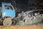 Ô tô va xe tải, 3 người trong gia đình thương vong