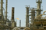 Iraq giành quyền kiểm soát nhà máy lọc dầu lớn nhất