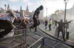 Biểu tình sinh viên London biến thành bạo loạn