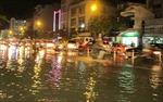 TP HCM: Mưa khiến nhiều tuyến đường thành sông