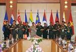 Đại tướng Phùng Quang Thanh tiếp Đoàn Tư lệnh Lục quân các nước ASEAN