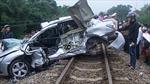 Hà Nam: Va chạm giữa tàu hỏa và ô tô, 1 người thiệt mạng