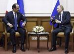 Tổng thống Pháp gặp Tổng thống Nga ở Moskva