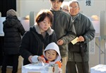 Liên minh cầm quyền Nhật Bản giành thắng lợi vang dội