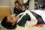 Sát thủ Taliban nổ bom liều chết trong phòng chứa 60 học sinh