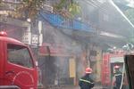 Cháy lớn tại phố Hàng Bồ ở Hà Nội
