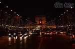 Giáng sinh trên Đại lộ Champs Elysées