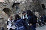 Một Barcelona khác lạ với 'tour guide' vô gia cư