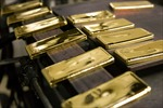 Vàng và dầu mỏ tiếp tục điệp khúc giảm giá