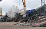 Quảng Ninh đón tàu bốc dỡ hàng ngày đầu năm
