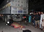 Bị ô tô tông, 4 người trên xe máy chết thảm