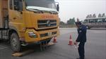 Bắt tại chỗ xe quá tải trên QL1 qua Hà Nam