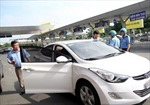 Kiểm tra hoạt động của Uber tại Sân bay Tân Sơn Nhất