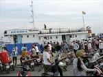 Tàu khách gặp sự cố cập cảng đảo Phú Quý an toàn