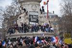 Người Pháp sôi sục tình đoàn kết trên Quảng trường Cộng hoà