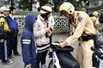 Mũ bảo hiểm đồng hành cùng trẻ em khi tham gia giao thông