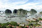 Lấn biển xây biệt thự ở vịnh Hạ Long, nên chăng?