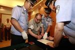 Trung Quốc truy bắt quan tham trốn sang Mỹ