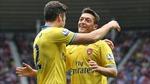 Ozil và Walcott trở lại ấn tượng giúp Arsenal vào vòng 5 FA Cup