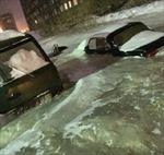 Vỡ đường ống nước, cả thị trấn hóa sông băng