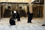 Cô dâu IS luyện bắn AK-47