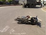 Va chạm xe tải xe máy, một người chết tại chỗ