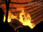 Cháy dữ dội ở Bình Dương, thiêu rụi hơn 300 tấn bông