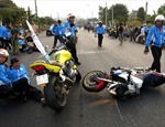 Bắt người lái môtô cán chết thành viên hộ tống đoàn đua xe đạp