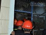 Bốn người nhảy khỏi ban công thoát hỏa hoạn