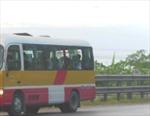 Bắt ô tô giả danh xe buýt, chở quá số người