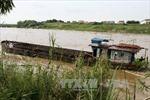 Hà Nội: Bắt giữ 2 tàu khai thác cát trái phép