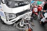 Một phụ nữ nguy kịch vì xe tải húc văng hơn 10m