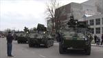 Xe quân sự Mỹ thản nhiên diễu hành xuyên Đông Âu