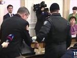 Ukraine bắt quan chức ngay tại cuộc họp chính phủ