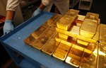 Vàng thế giới tăng giá tuần thứ ba liên tiếp