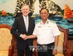 Đô đốc Nguyễn Văn Hiến tiếp Bộ trưởng Hải quân Hoa Kỳ