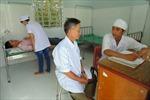 'Bắt bệnh' cho 'xương  sống' ngành y