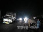 Xe 7 chỗ đấu đầu xe tải, hai người tử vong