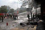 Cháy lớn cửa hàng hóa chất trên đường Lê Trọng Tấn