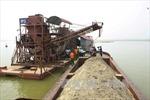 Bắt quả tang 16 tàu khai thác cát trái phép